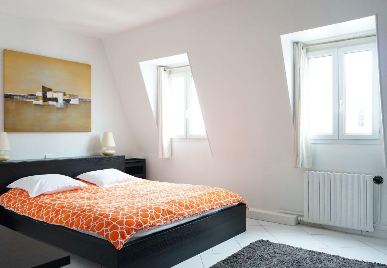 Apartamento en París - Rue Bassano - Paris 16 - 216040