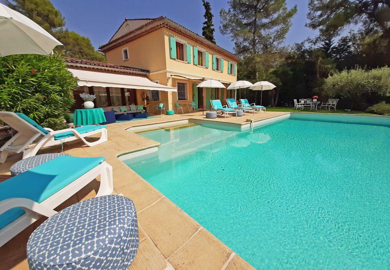 Villa en Roquefort-les-Pins - Lily of the Valley Villa near St Paul de Vence